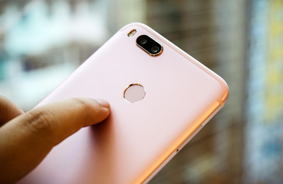 Xiaomi sigue saltándose a la torera la normativa de Android awww-teknofilo-com_wp_content_uploads_2018_01_xiaomi_mi_a1_0071-jpg.323139