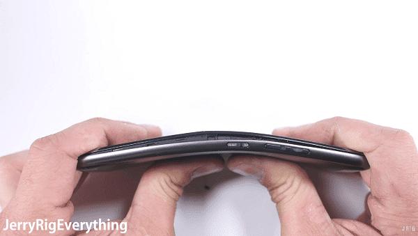 El Moto G5 pasa por un test de resistencia awww-tuexpertomovil-com_wp_content_uploads_2017_04_test_durabilidad_motog5-png.281906
