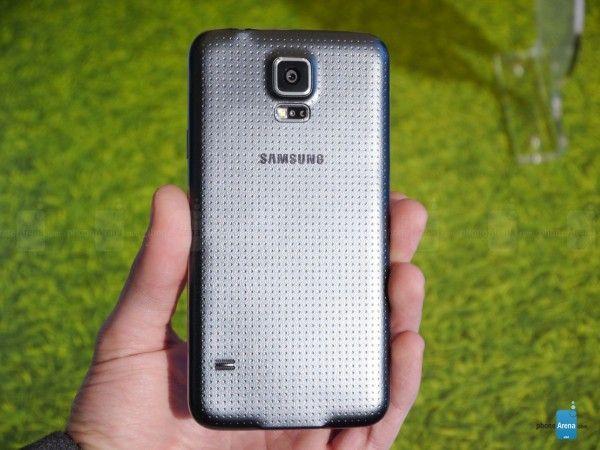 elchapuzasinformatico.com_wp_content_uploads_2014_02_Samsung_Galaxy_S5_oficial_2_600x450.