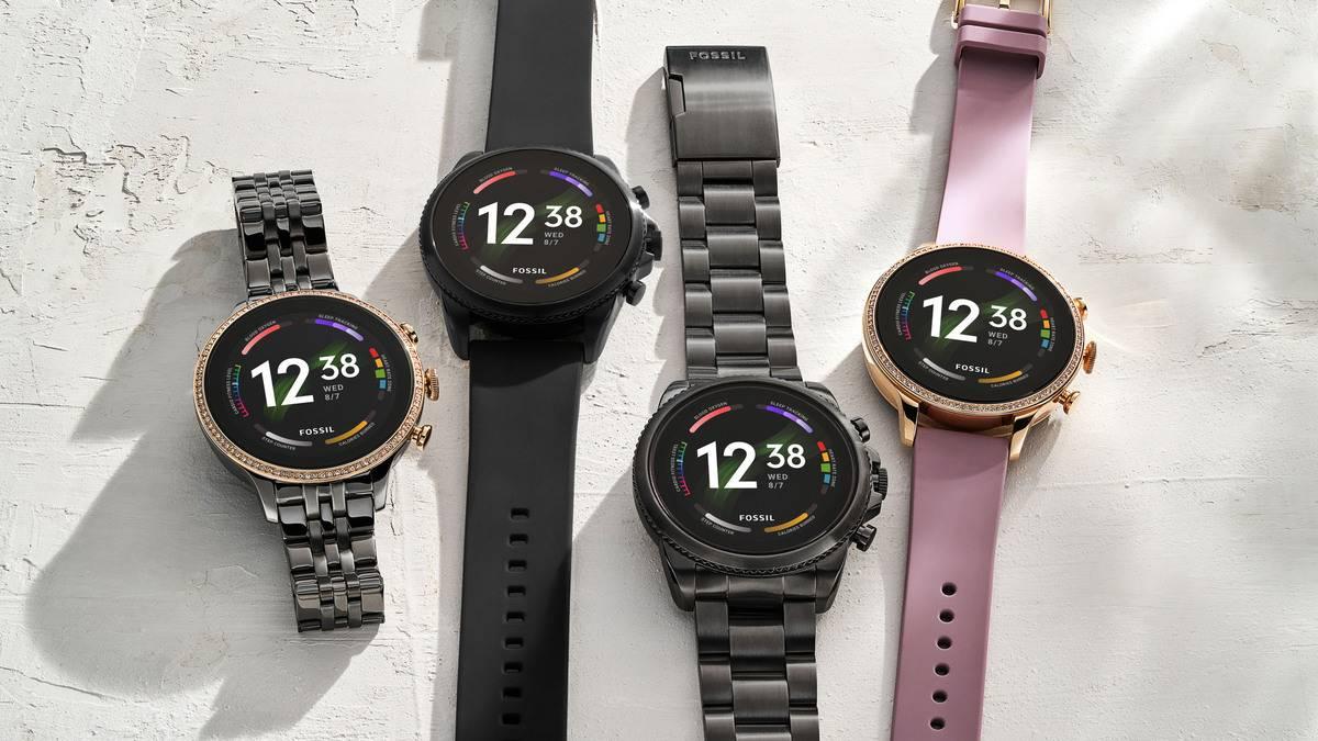 Fossil-Gen-6-Smartwatch-family.jpg