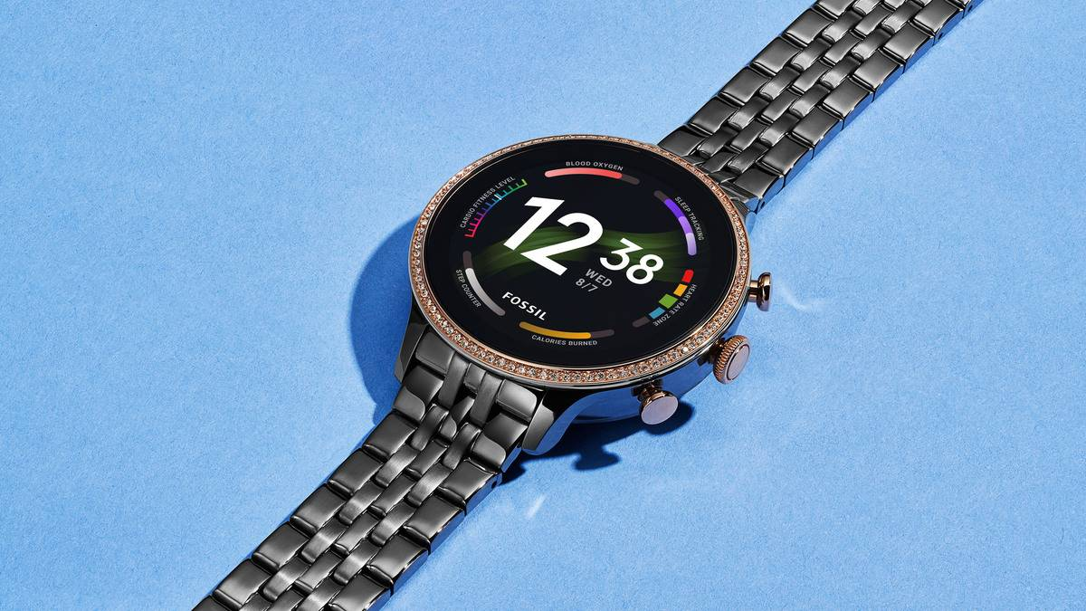 Fossil-Gen-6-Smartwatch-stainless-steel-on-table.jpg