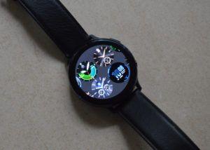 Galaxy-Watch-Active-2-11-300x214.jpg