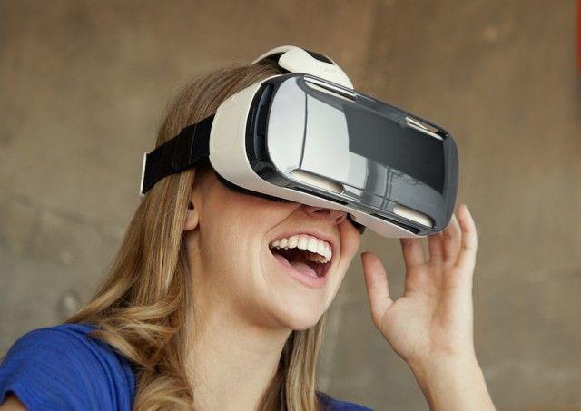 Gear-VR-lifestyle.