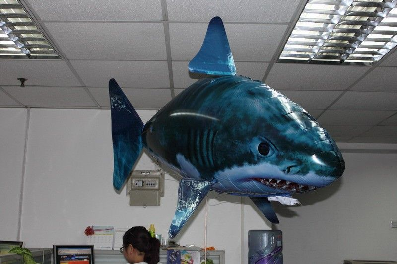 image.made_in_china.com_2f0j00bMBaFjzqCcYU_RM_045178_Air_Swimmer_RC_Infrated_Flying_Shark.