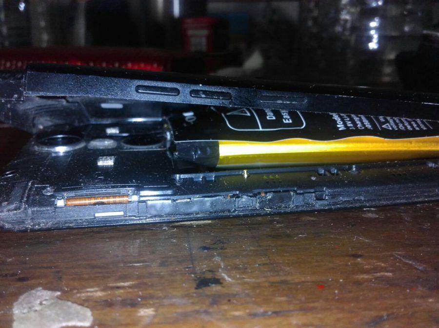 Explotó batería de Ulefone Metal index-jpeg.320511