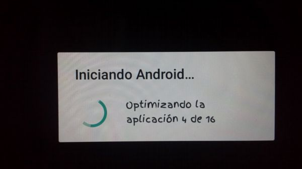 iniciando android optimizando colgado.