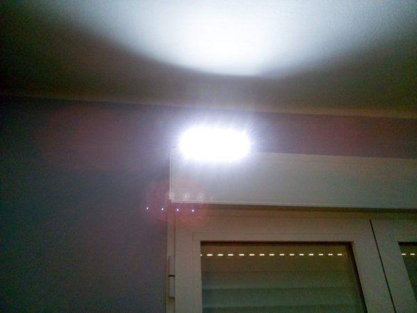 Luz en alto lejos.