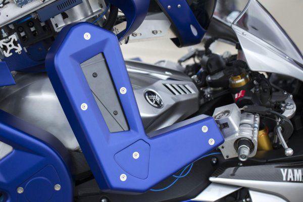 yamaha-motobot-v12016-3.
